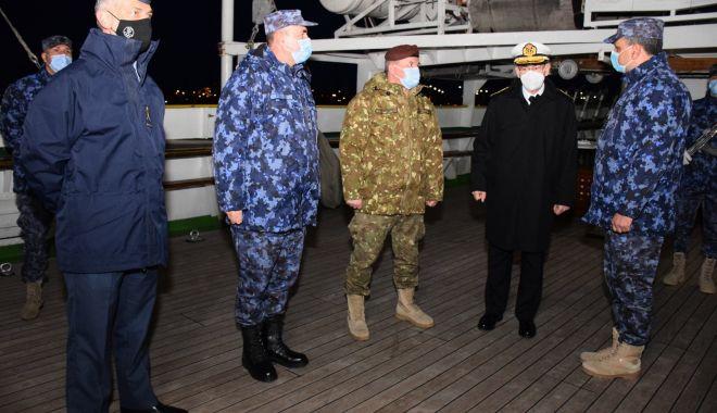 """Șeful Apărării din Spania, în vizită la Academia Navală și pe bricul """"Mircea"""" - fortelenavalespania3-1616944948.jpg"""