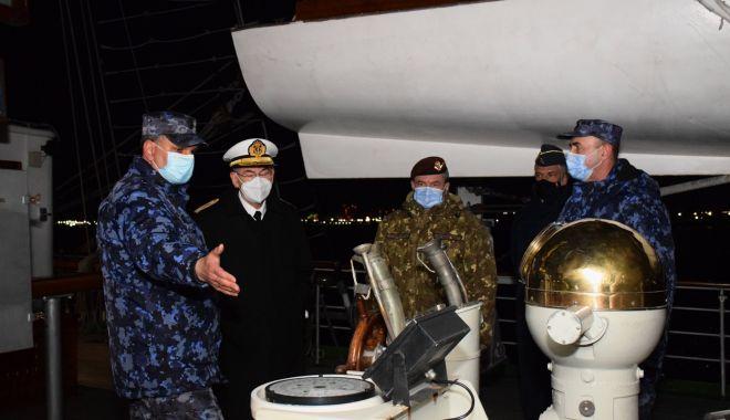 """Șeful Apărării din Spania, în vizită la Academia Navală și pe bricul """"Mircea"""" - fortelenavalespania5-1616944972.jpg"""