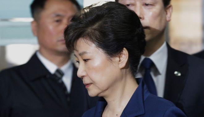 Foto: Fosta preşedintă a Coreei de Sud,  condamnată la 25 de ani de închisoare