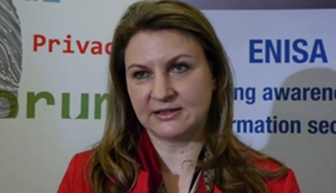 Foto: Fostul ministru Adriana Ţicău, audiată la DNA