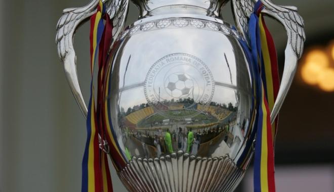 Foto: S-au tras la sorţi semifinalele Cupei României