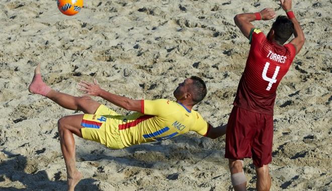 Foto: Fotbal pe plajă,  în staţiunea Jupiter