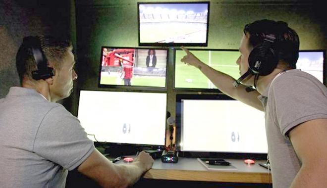 Foto: LPF, surprinsă de reticenţa lui Burleanu faţă de arbitrajul video