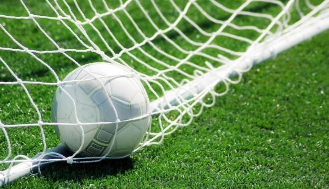 Foto: Fotbal / Peste 20 de tineri constănțeni vor avea parte de un meci demonstrativ al fotbaliștilor de la Academia Hagi