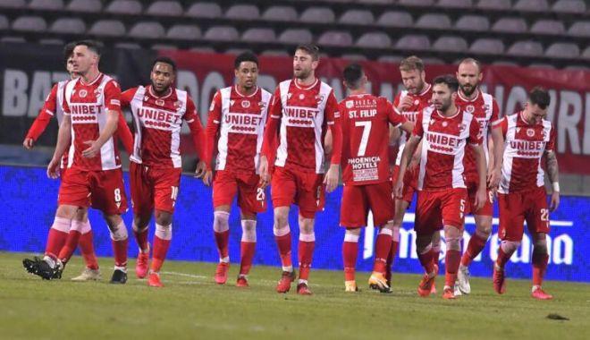 Fotbal / Dinamo Bucureşti, cea de-a patra semifinalistă a Cupei României - fotbaldinamo-1614936299.jpg
