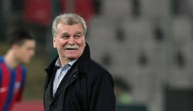 Foto: Fotbal: Dinu Gheorghe este noul preşedinte al FC Rapid