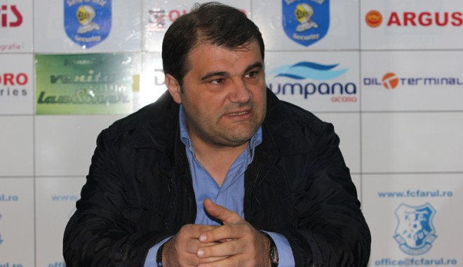 """Foto: Giani Nedelcu îi face """"praf"""" pe Olteanu şi Stegaru"""