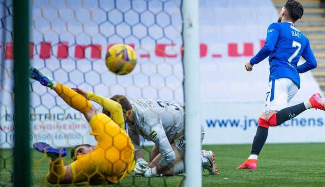 Fotbal / Gol şi penalty obţinut! Ianis Hagi, evoluţie excelentă pentru Rangers - fotbalianis-1620899393.jpg