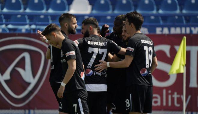 Fotbal, Liga I / FC Viitorul, victorie la Iaşi, în play-out - fotbaliasi-1619708485.jpg