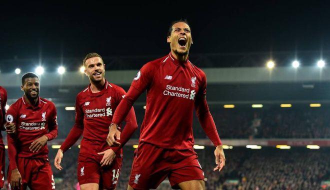 Foto: Lupta rămâne deschisă în Premier League. FC Liverpool şi Man City merg umăr la umăr