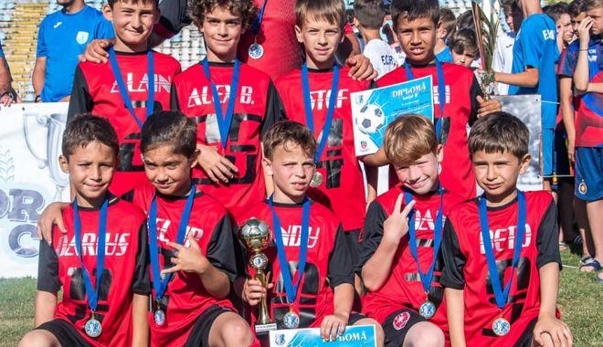 Micii fotbalişti de la CS Metalul, campionii Cupei FC Farul - fotbalmetalul-1560971644.jpg