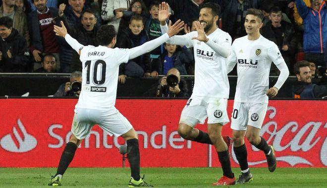 Foto: Real Madrid pierde la Valencia. Barca rămâne pe prima poziţie