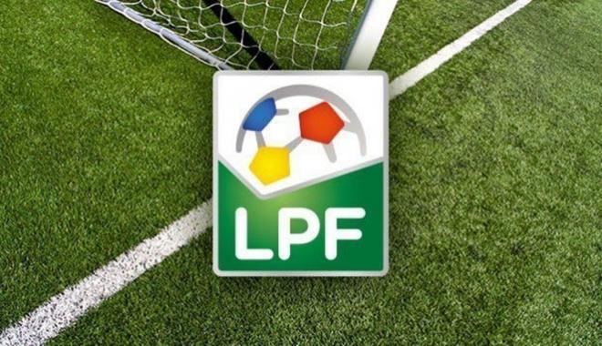 Foto: Jale-n fotbalul românesc. Două cluburi penalizate, alte două fără dosar de licenţiere