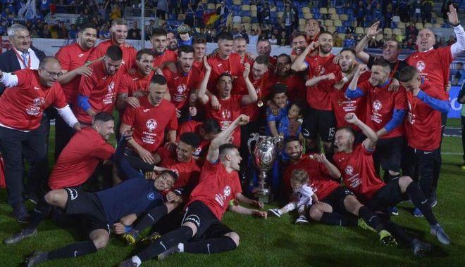 Foto: FC Viitorul, câştigătoarea Cupei României. Finala, decisă în prelungiri
