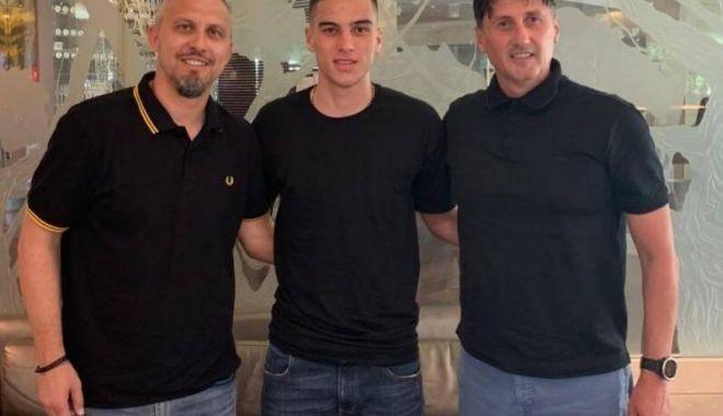 Foto: FC Viitorul a transferat un mijlocaş de la Swansea City