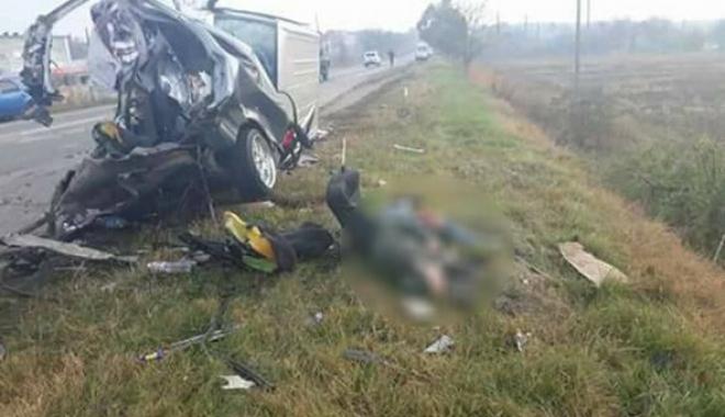 TRAGEDIE RUTIERĂ! Șoferul decedat a fost pur și simplu azvârlit din mașină, cu tot cu banchetă - foto-1509180171.jpg