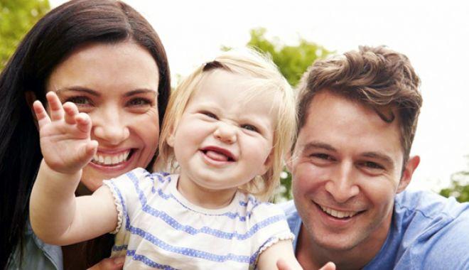 Foto: Vrei să adopți un copil? Procedura, simplificată. Mai puține hârtii și mai mulți bani