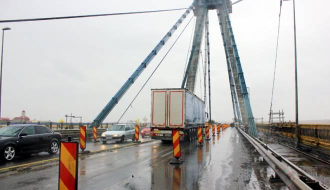 Foto: La secret! C�nd intr� �n repara�ii podul de la Agigea