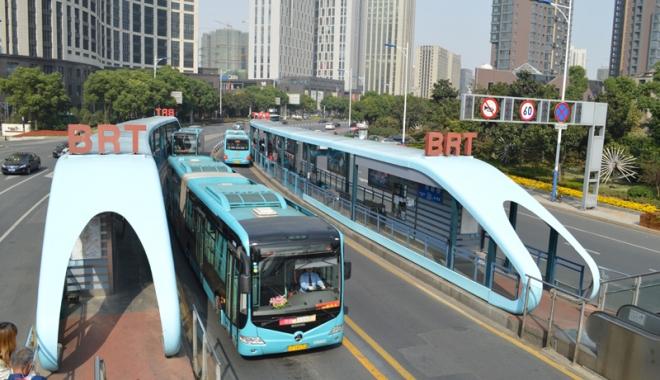 Foto: Constan�a anului 2020 sau simple fantezii? Autobuze electrice rapide, piste pentru bicicli�ti �i transport public cu �alupe