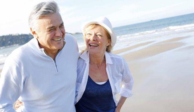 Foto: Banii de bătrâneţe ai constănţenilor,  în pericol. Cine se retrage din Pilonul II de pensii?