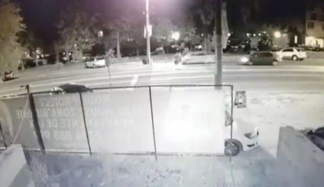 Foto: Doi adolescenți, pe patul de spital  după ce un șofer i-a accidentat și a fugit