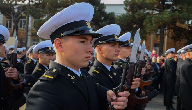 Tineri, frumoși și cu arma în mână! Copiii români, tot mai tentați de o carieră militară - fotofondcarieramilitara1-1572555799.jpg