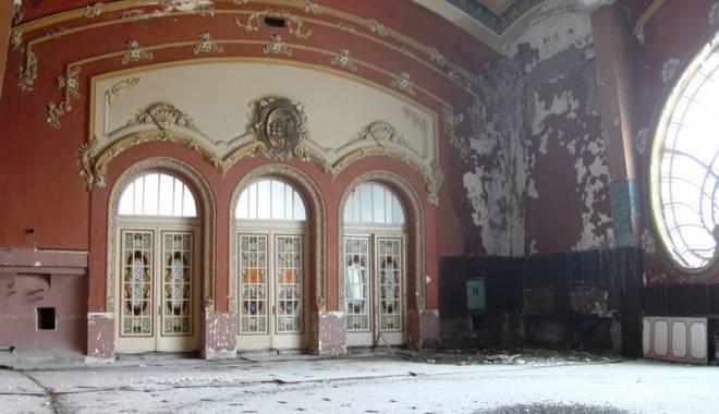 Galerie FOTO / Cum va arăta Cazinoul din Constanţa după reabilitare: vor fi cafenele şi sală de bal - fotofondcazino2-1431257643.jpg