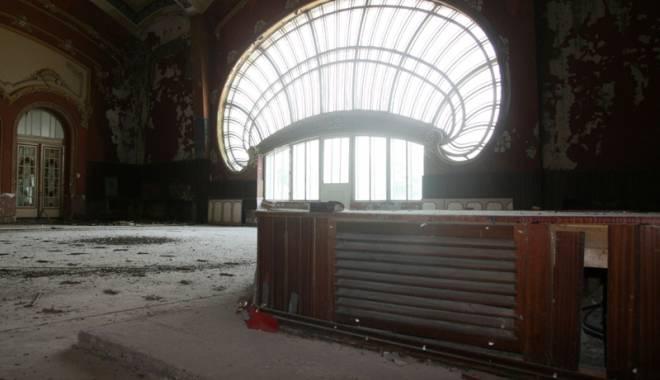 Galerie FOTO / Cum va arăta Cazinoul din Constanţa după reabilitare: vor fi cafenele şi sală de bal - fotofondcazino3-1431257653.jpg