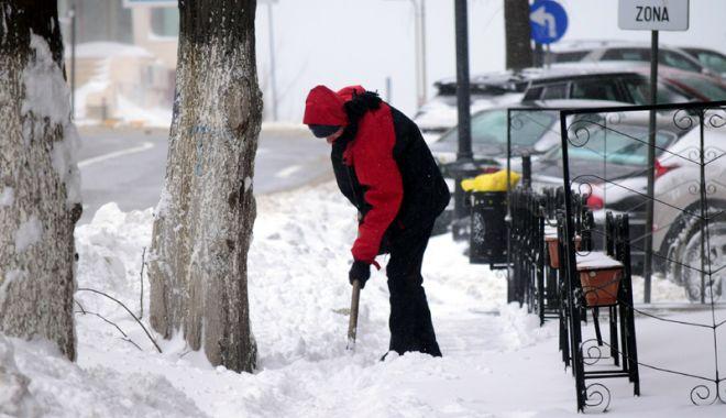 Foto: Amenzi pentru constănţenii care aruncă zăpada pe stradă