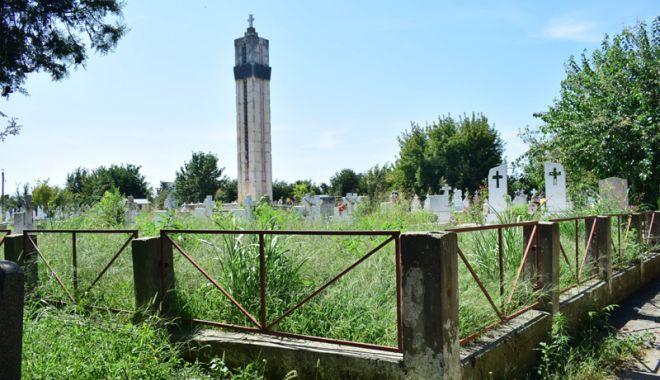 Cimitirul Eroilor din Constanţa, monument de indiferenţă şi lipsă de respect - fotofondcimitir15-1534868680.jpg