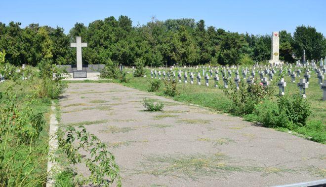 Cimitirul Eroilor din Constanţa, monument de indiferenţă şi lipsă de respect - fotofondcimitir18-1534868701.jpg