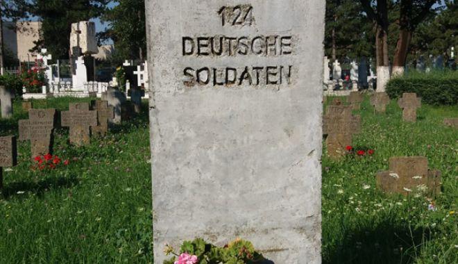 Cimitirul Eroilor din Constanţa, monument de indiferenţă şi lipsă de respect - fotofondcimitir2-1534868717.jpg
