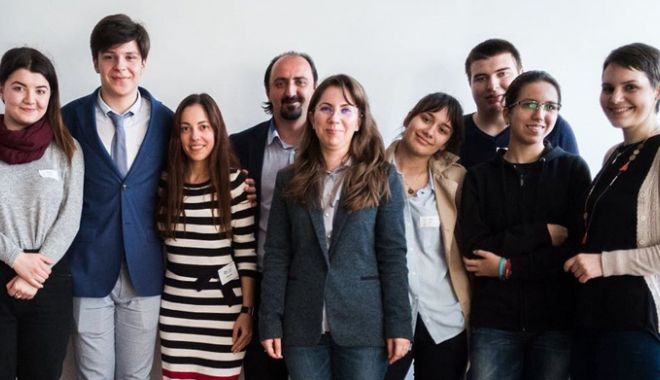 Foto: Cinci elevi constănţeni, în finala europeană a competiției Sci-Tech Challenge 2018
