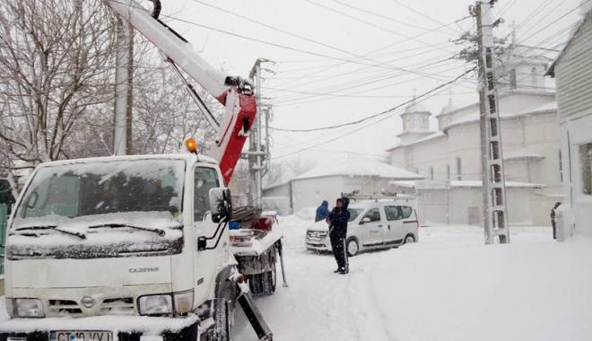 Foto: Urgia albă loveşte din nou! Polei şi viscol la Constanţa