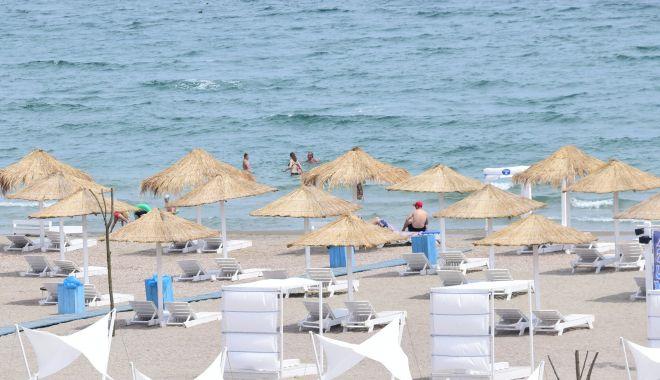 Voucherele de vacanță, colacul de salvare a sezonului estival. Hotelurile, aproape pline