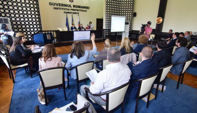 Foto: Unde au primit terenuri gratuite 12 cetăţeni de onoare ai Constanţei