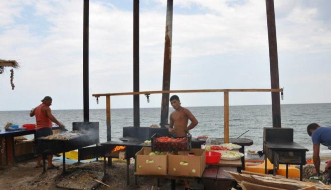 Peşte împuţit şi midii stricate. Cu ce îi aşteaptă cârciumarii pe turişti, în mini-vacanţa de Rusalii - fotofondcontrol3-1496163464.jpg