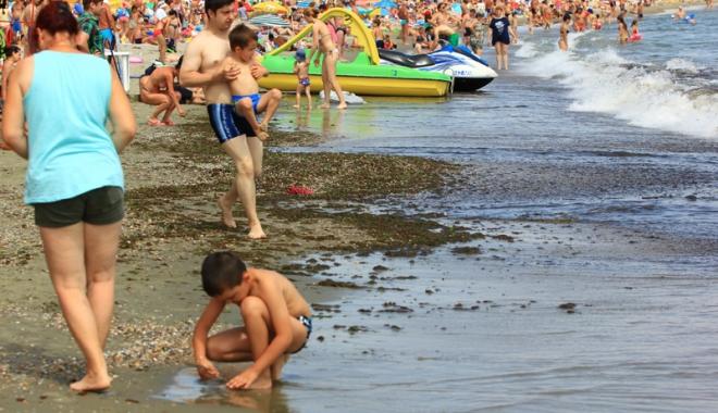 Foto: Mamaia, Năvodari şi Eforie au cele mai murdare sectoare de plajă