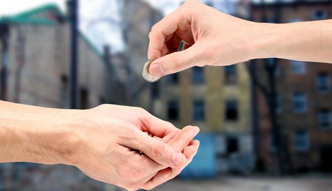 Foto: Escrocherii cu acţiuni de caritate. Nu vă lăsaţi păcăliţi de cei care vă cer bani în numele unor fundaţii!