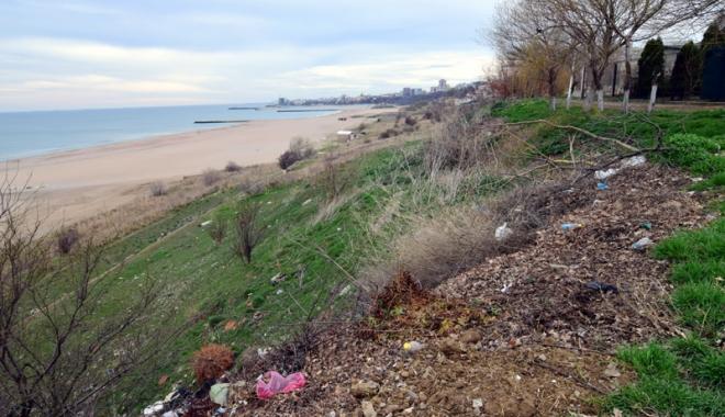 Plaje de milioane de euro, faleze de doi lei! Fără drumuri de acces şi maluri pline de gunoaie - fotofondfaleze2-1489933520.jpg