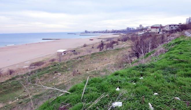 Plaje de milioane de euro, faleze de doi lei! Fără drumuri de acces şi maluri pline de gunoaie - fotofondfaleze3-1489933532.jpg