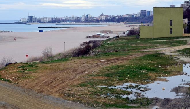 Plaje de milioane de euro, faleze de doi lei! Fără drumuri de acces şi maluri pline de gunoaie - fotofondfaleze6-1489933555.jpg