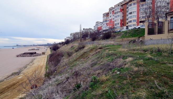 Plaje de milioane de euro, faleze de doi lei! Fără drumuri de acces şi maluri pline de gunoaie - fotofondfaleze7-1489933563.jpg
