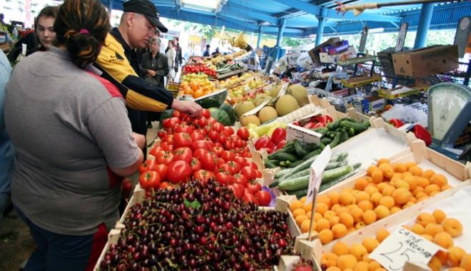 Foto: Atenţie, fructe periculoase pe piaţă! Caise şi nectarine din Turcia, otravă curată