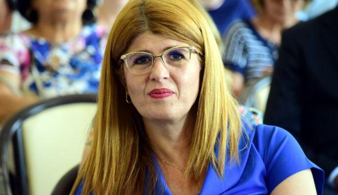 Foto: Gabriela Bucovală s-a întors la şefia ISJ Constanţa. Ce capete mai pică după Petrică Miu?