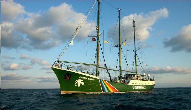 Nava Greenpeace, mesaj pentru România: Stop cărbune, folosiţi energie curată!