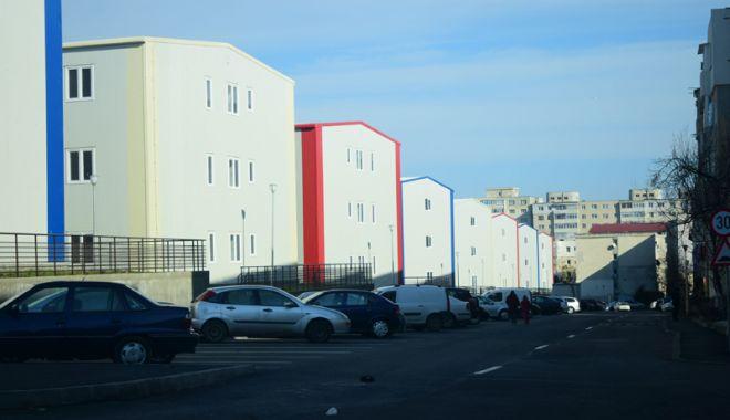 """Foto: Se dublează populaţia în cartierul """"Henri Coandă""""! Până la toamnă, zece blocuri noi, date în folosinţă"""
