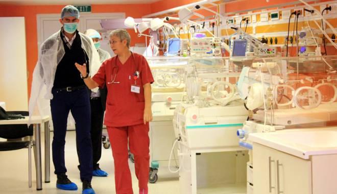 Foto: Campionul Horia Tecău salvează micuţii prematuri din Constanţa!