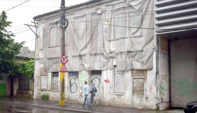 Foto: Atenţie, constănţeni! Impozite de cinci ori mai mari pentru clădirile şi terenurile lăsate în paragină