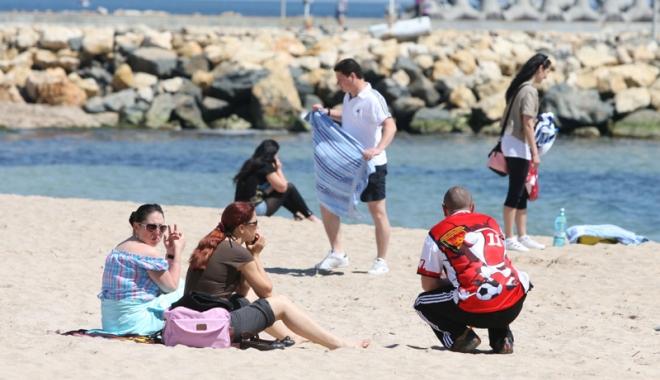Foto: Începe distracţia pe litoral! Spectacole, muzică şi festivaluri pentru toate gusturile